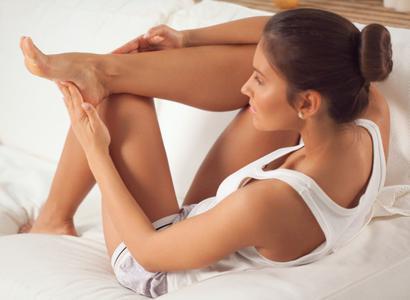 ¿Por qué los pies huelen tan mal? Cinco consejos para tenerlos saludables este verano | VIDEO