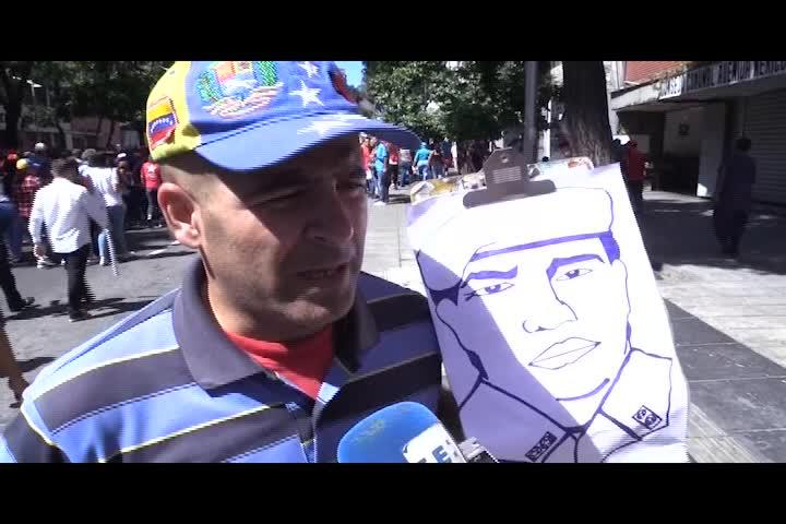 Venezolanos dicen motivos por los que acompañan marcha a favor de Maduro