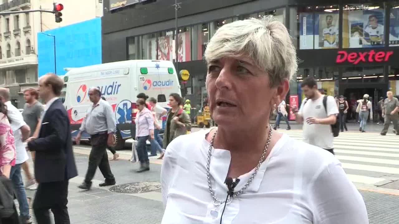 Ciudadanos argentinos lamentan inflación más alta en el país desde 1991
