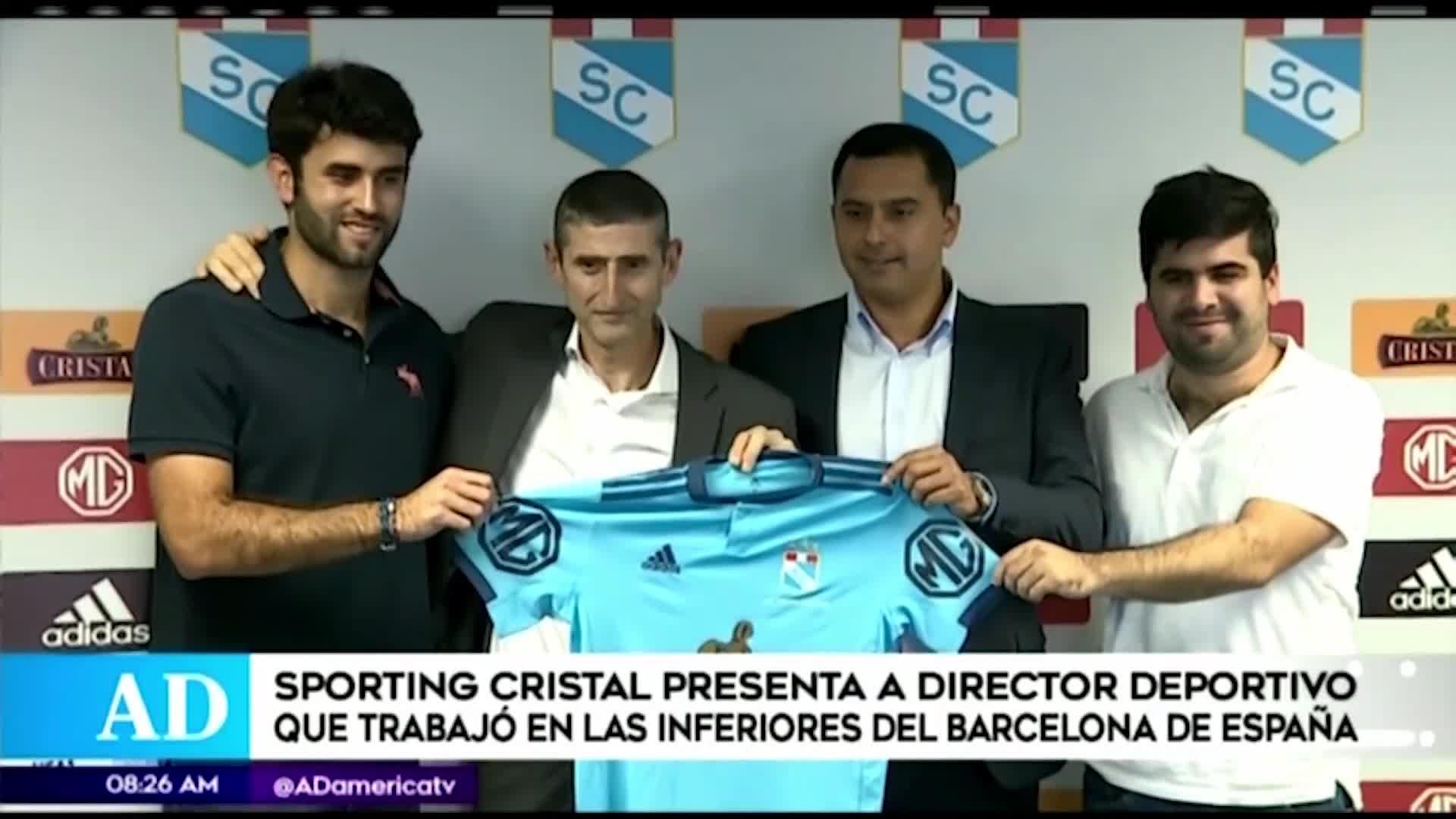 Sporting Cristal presentó a Juan José Luque, ex Barcelona, como nuevo director general