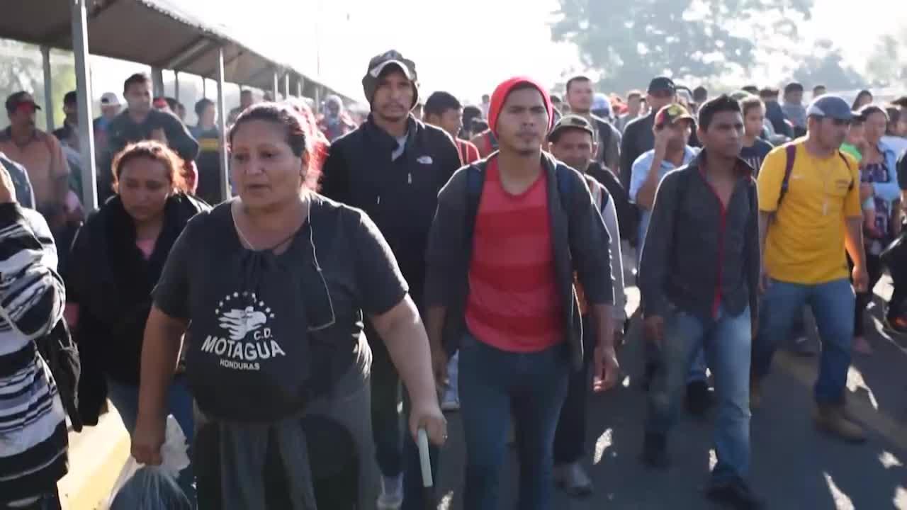 """México ofrece """"oportunidades"""" a migrantes que entren ordenadamente"""