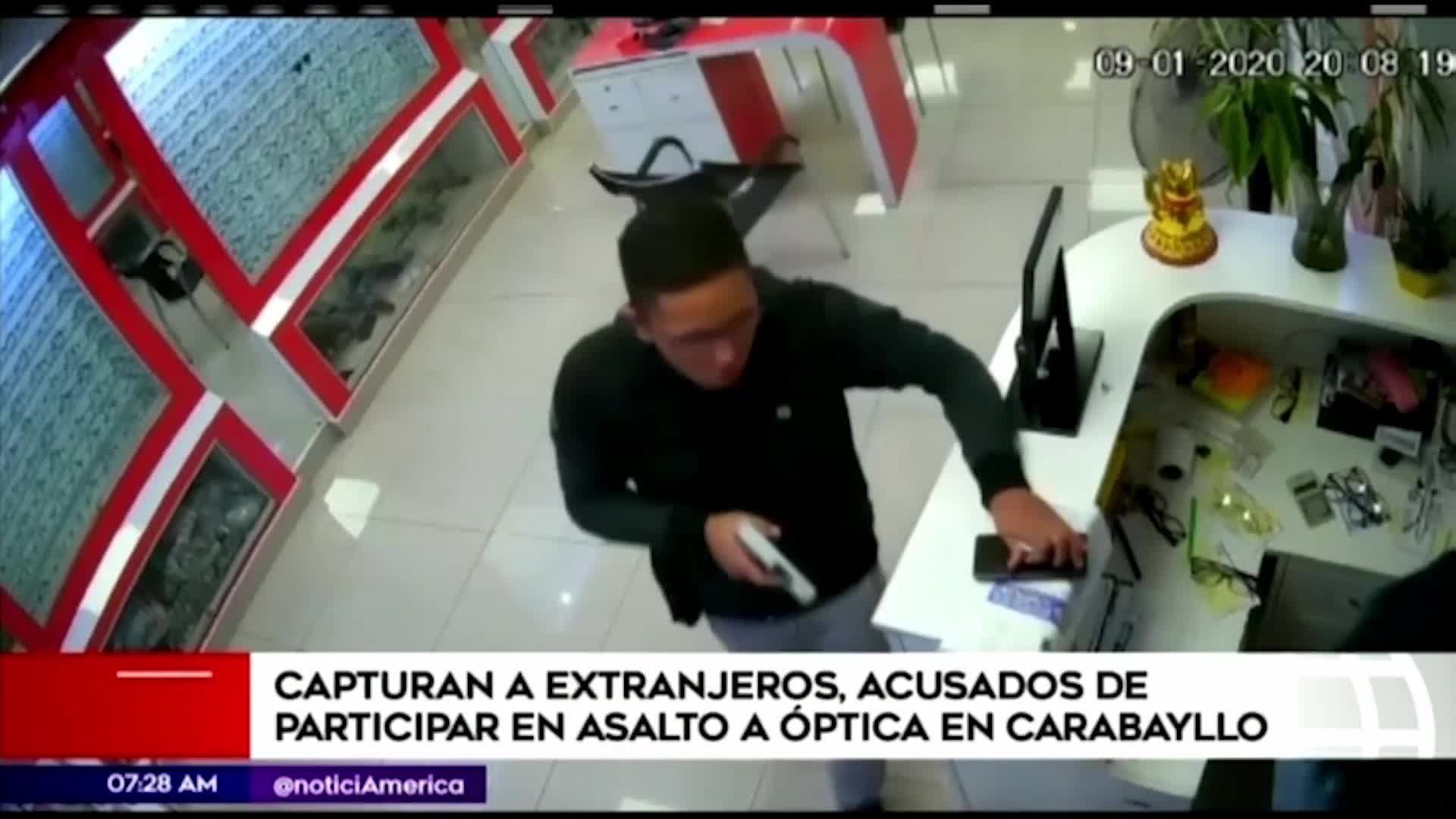 Capturan a dos extranjeros presuntamente implicados en robo a óptica en Carabayllo