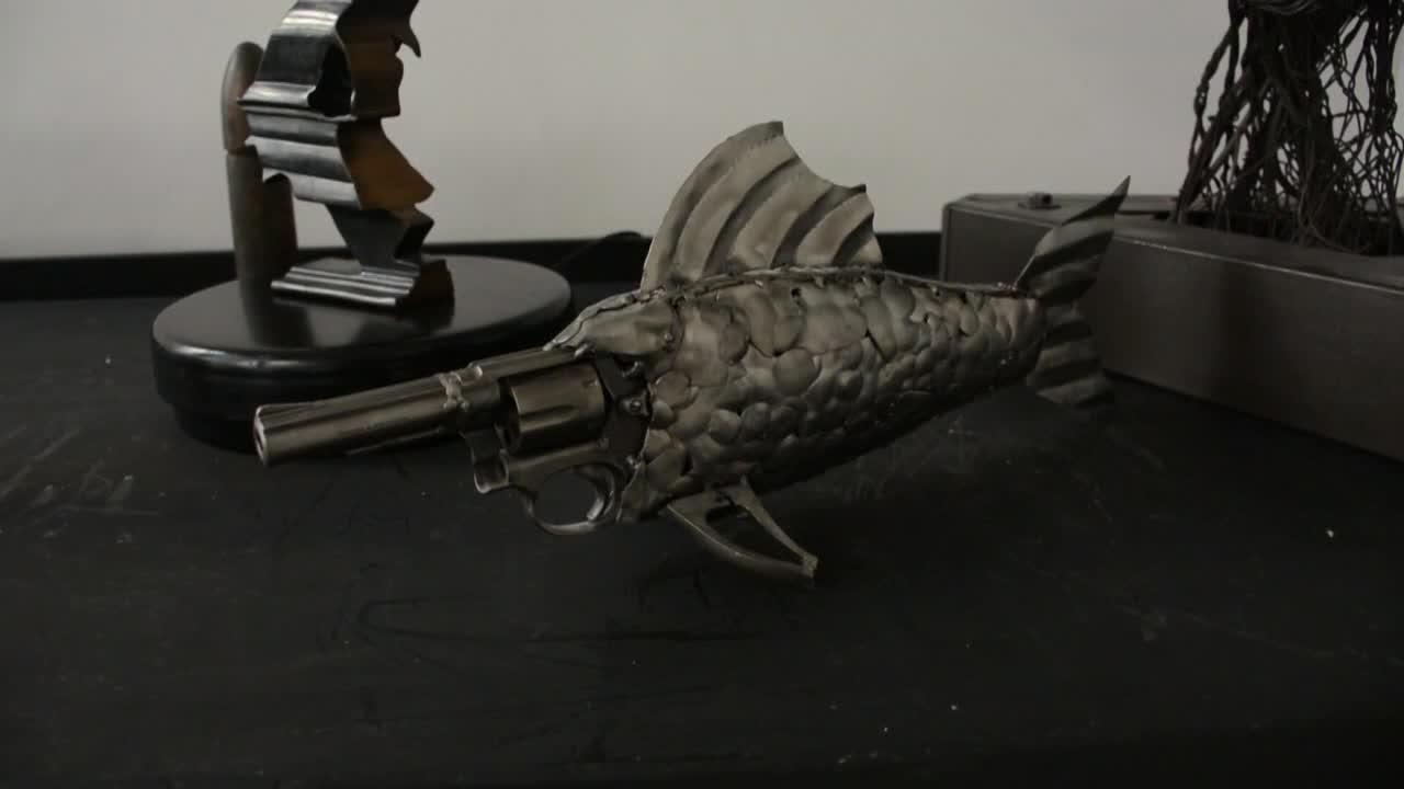 México: armas decomisadas se convierten en arte