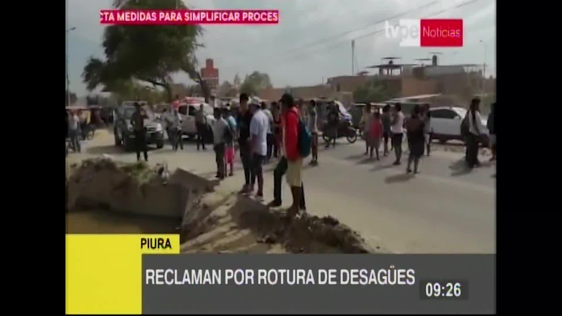 Piuranos reclaman por rotura de tubería de desagüe