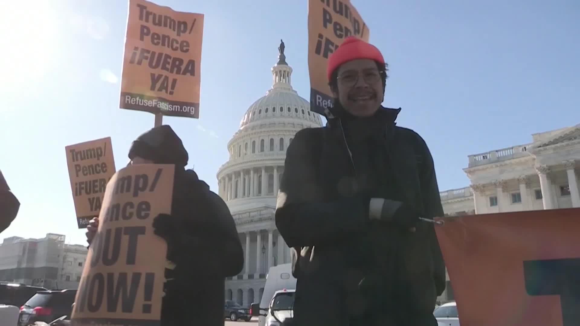 EE.UU: Manifestantes piden la destitución a Trump