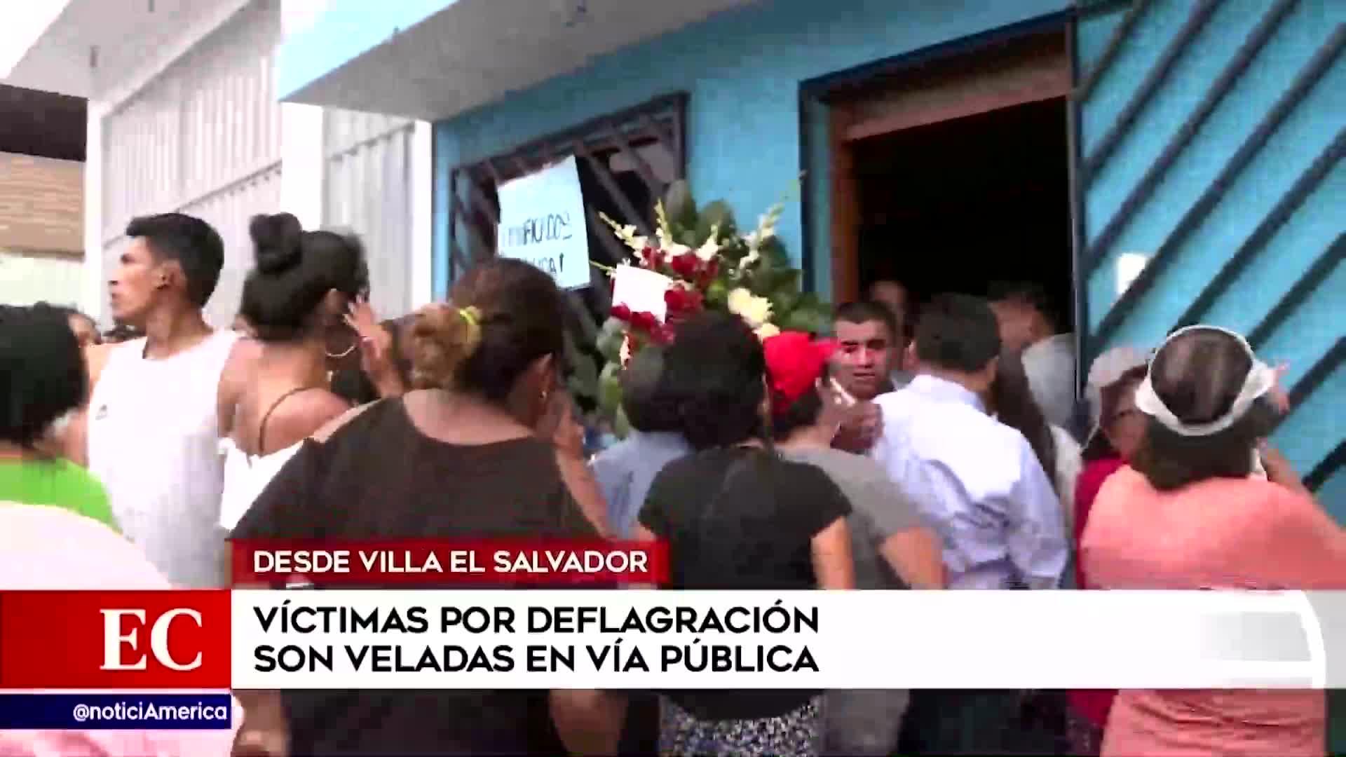 Victimas del incendio en Villa El Salvador son veladas en la vía pública