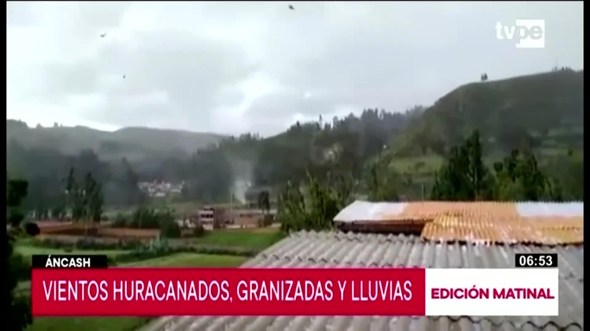 Pobladores de Recuay,Áncash alarmados por vientos huracanados,  granizadas y lluvias