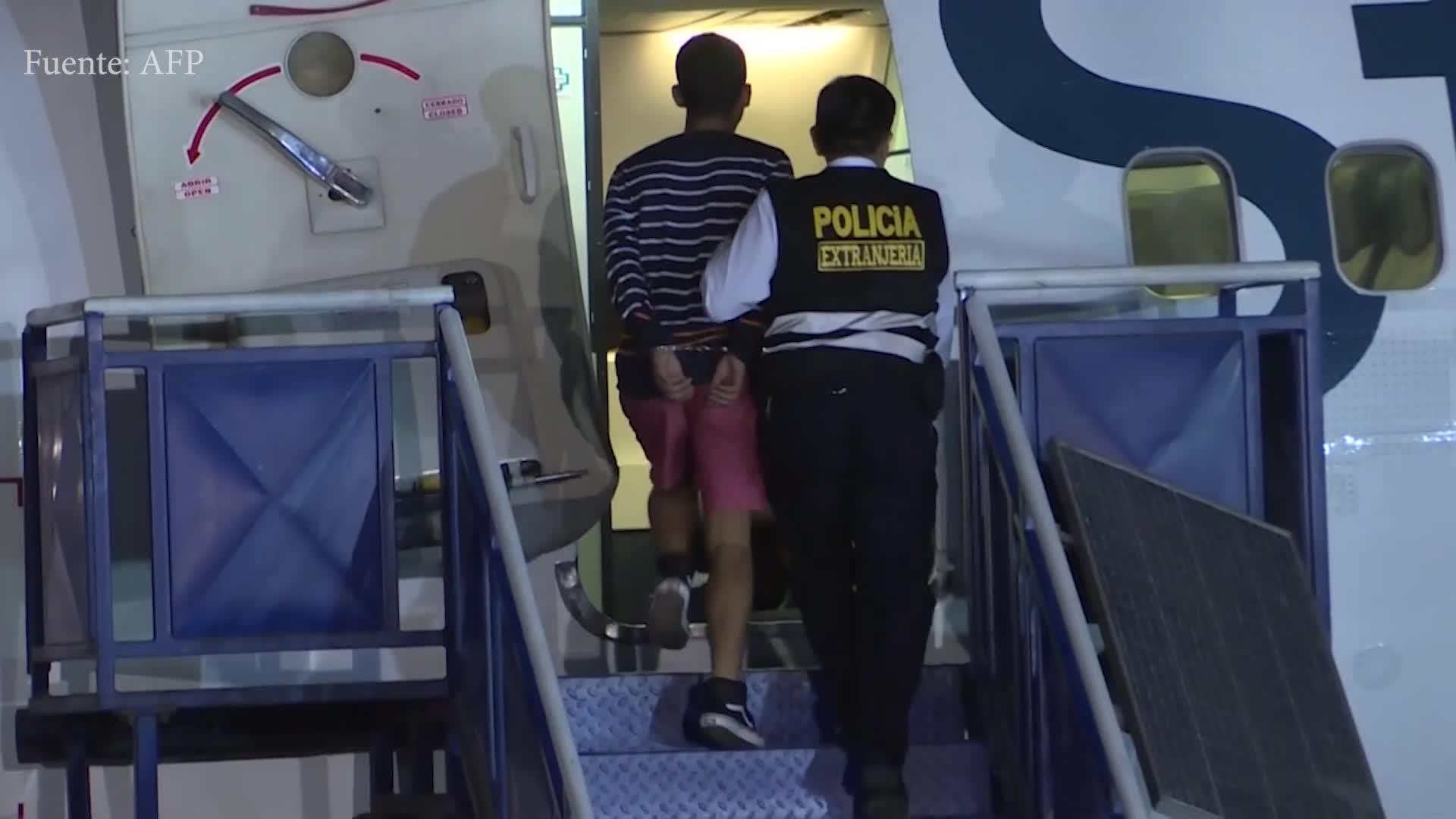 Perú expulsa a 131 ciudadanos extranjeros con antecedentes criminales