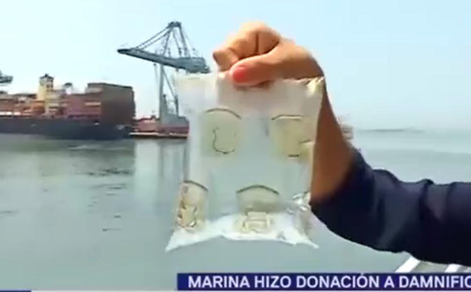 Marina de Guerra convierte agua de mar en agua potable y la dona a afectados por aniego