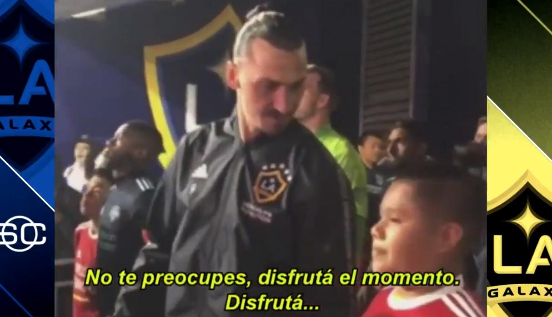 Zlatan Ibrahimovic tuvo sorprendente actitud con niño que lo acompañó al campo de juego | VIDEO