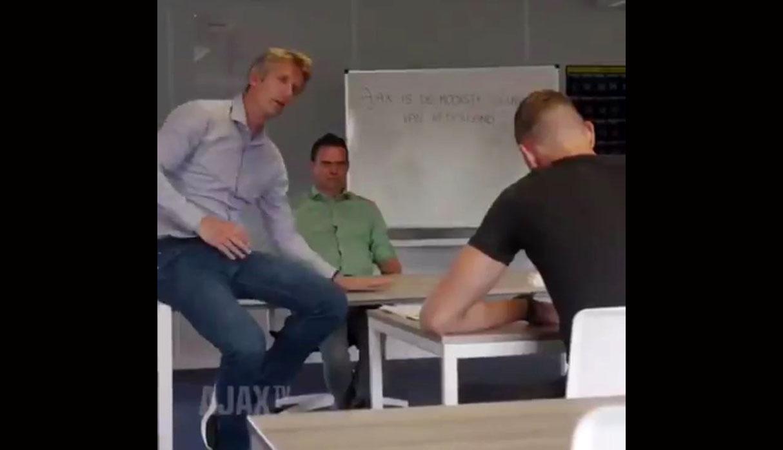 """Nuevo arquero del Ajax recibió castigo """"a lo Bart Simpson"""" por ser hincha del Feyenoord   VIDEO"""