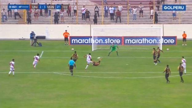 Universitario vs. Municipal: Carlos Uribe adelantó a los 'ediles' y consigue el 3-2 en la Liga 1 | VIDEO