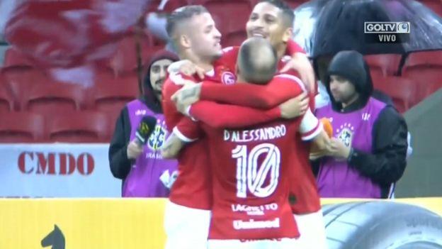 Internacional vs. Paysandu: Paolo Guerrero anotó el 1-0 en el Beira-Rio   VIDEO