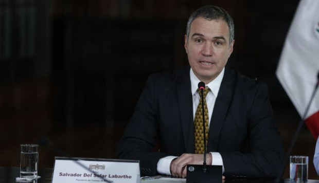 Del Solar: Cuestión de confianza es medida constitucional que pide respaldo del Congreso