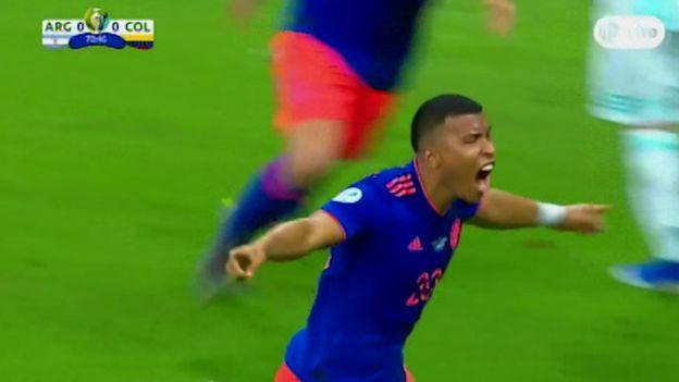 Argentina vs. Colombia: Roger Martínez adelantó a los 'cafeteros' con golazo | VIDEO