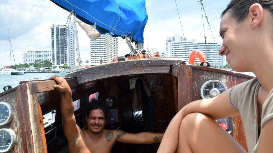 La pareja que cruzó el Atlántico en vela con pasajeros que hacían 'barcostop'