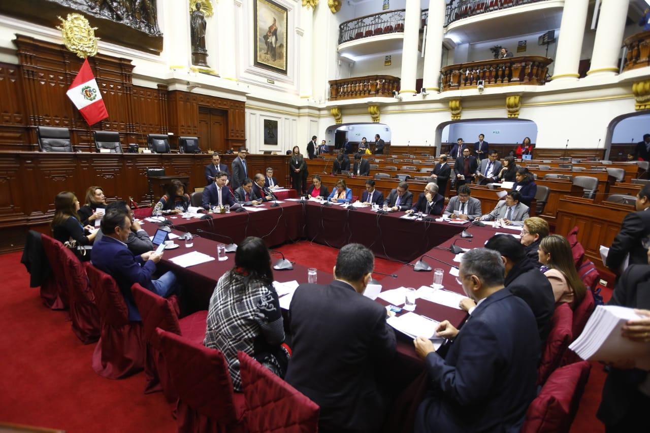 Marco Arana y Héctor Becerril protagonizan discusión en Comisión Permanente