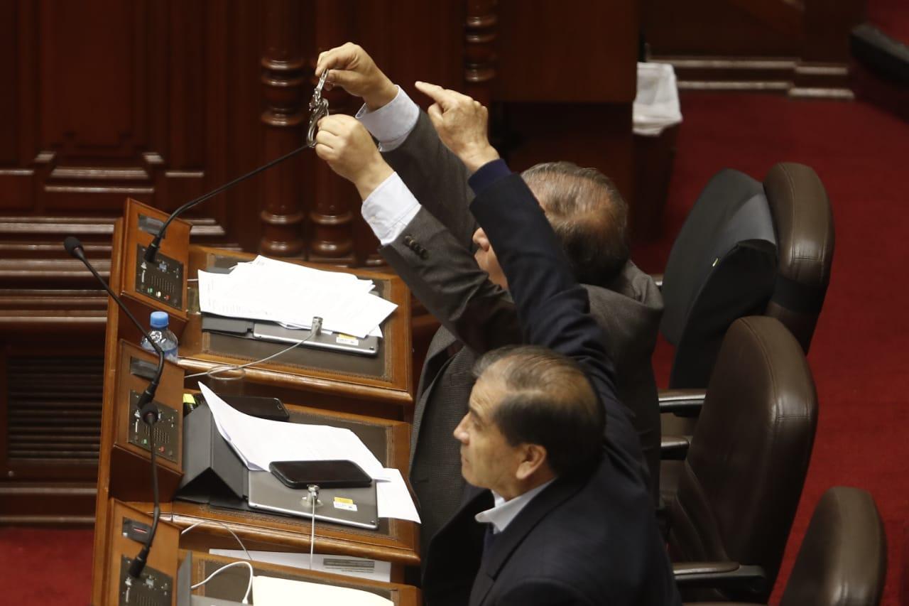 Congresistas de Fuerza Popular y Marco Arana protagonizaron incidente en el pleno