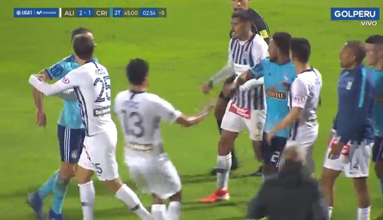 Alianza Lima vs. Sporting Cristal: falta sobre Quevedo, bronca y un expulsado en el clásico | VIDEO NCZD