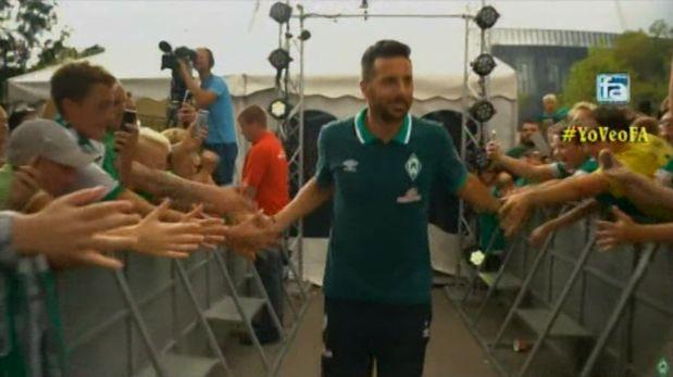 Claudio Pizarro fue ovacionado en partido de pretemporada del Werder Bremen