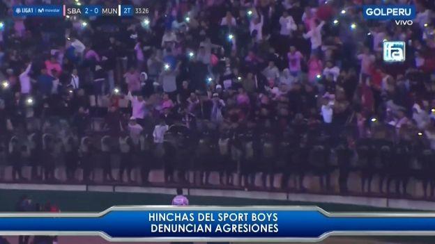 Hinchas de Sport Boys son agredidos por policías al celebrar gol