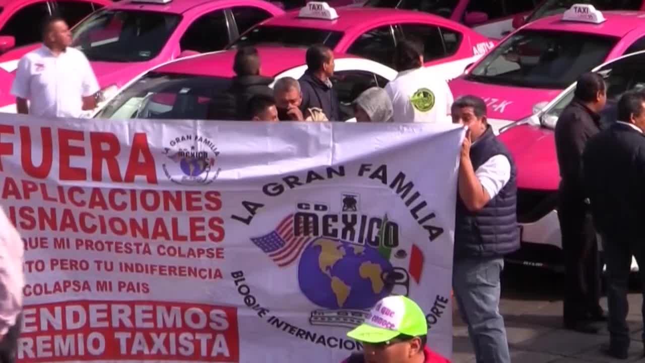 Taxistas mexicanos protestan de forma masiva contra aplicaciones como Uber y Didi