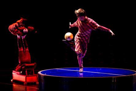 Lionel Messi: La magia del astro ilumina la pista de Cirque du Soleil