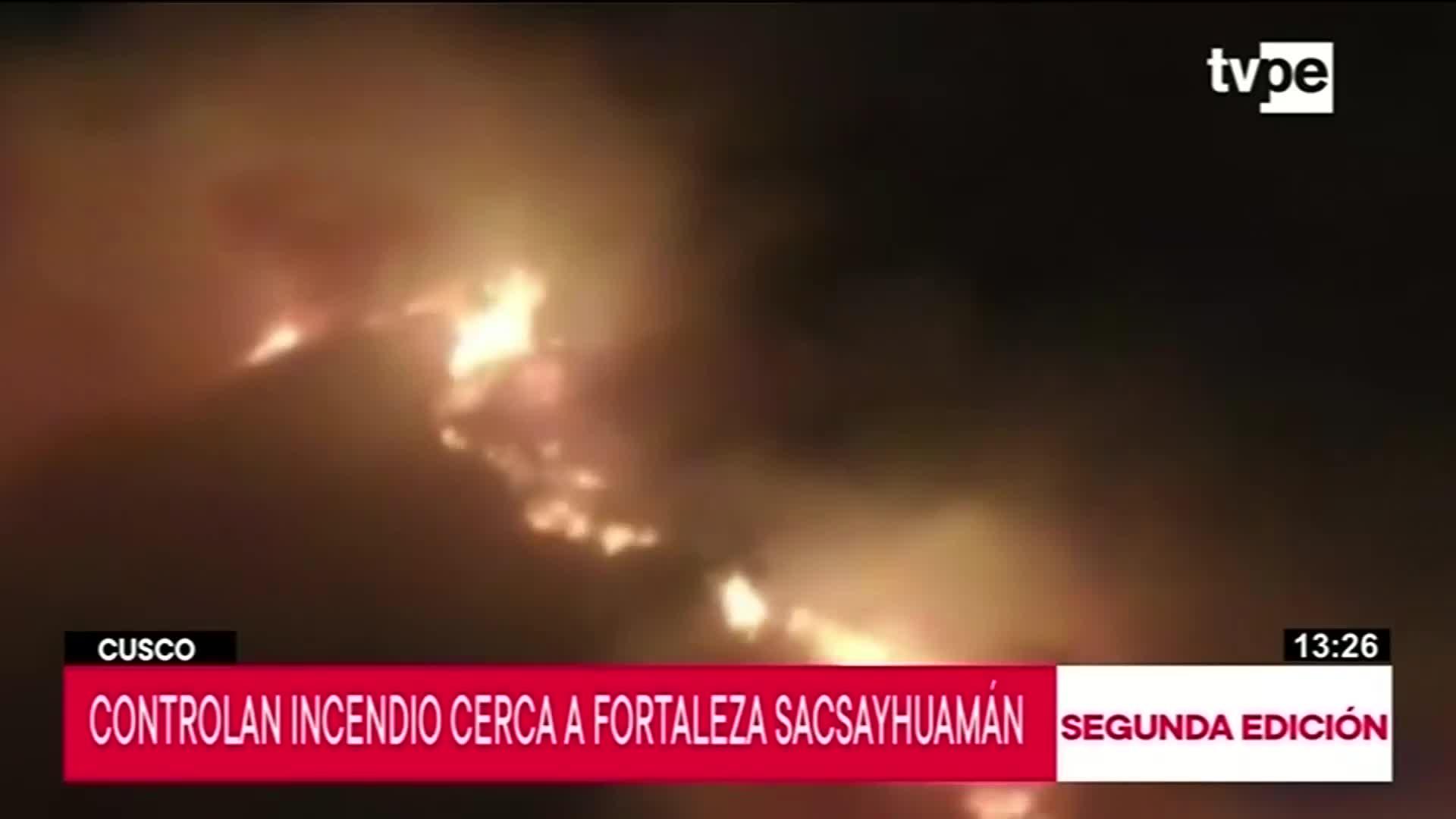 Incendio forestal pone en peligro el parque arqueológico Sacsayhuamán
