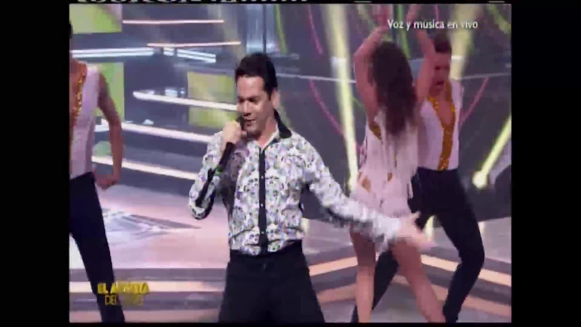 """Miguel Álvarez cautiva al jurado con sorprendente interpretación en """"El artista del año"""""""