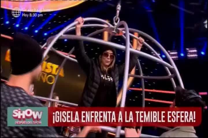 Gisela Valcárcel cumple reto y se sube a la esfera de acero