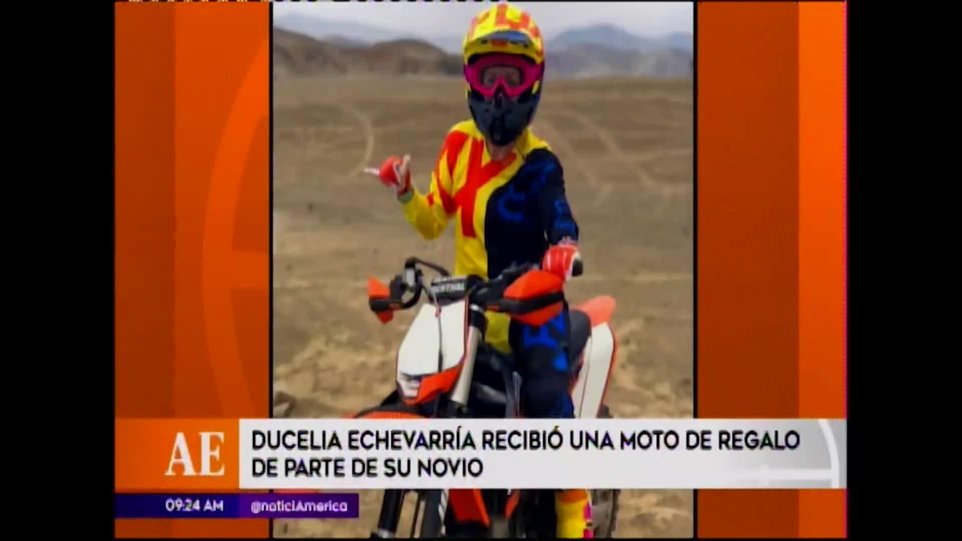 EEG: Ducelia Echevarría se emociona al recibir una motocicleta de parte de su novio