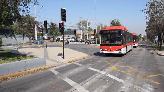 Presentan 183 autobuses eléctricos chinos para Chile