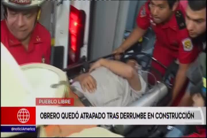 Pueblo Libre: obrero atrapado tras derrumbe fue rescatado