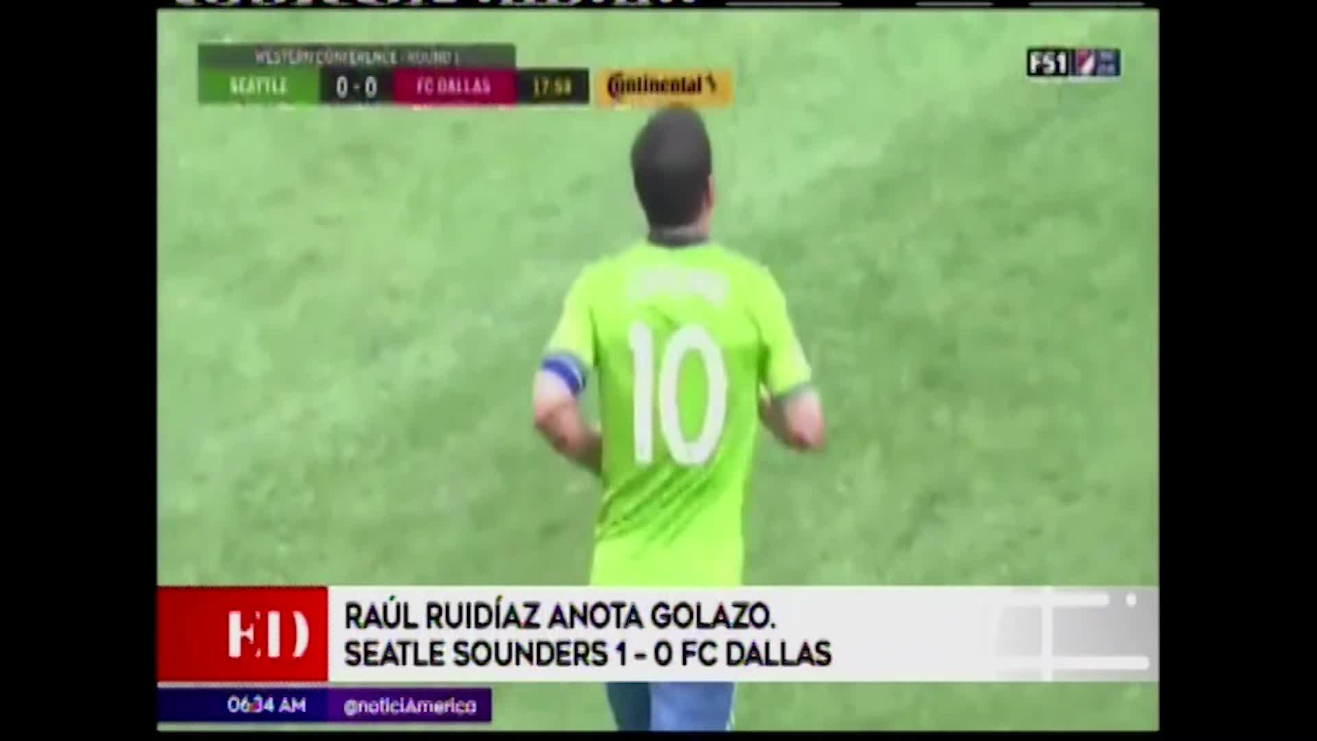 Raúl Ruidiaz anotó un golazo en la victoria de su equipo