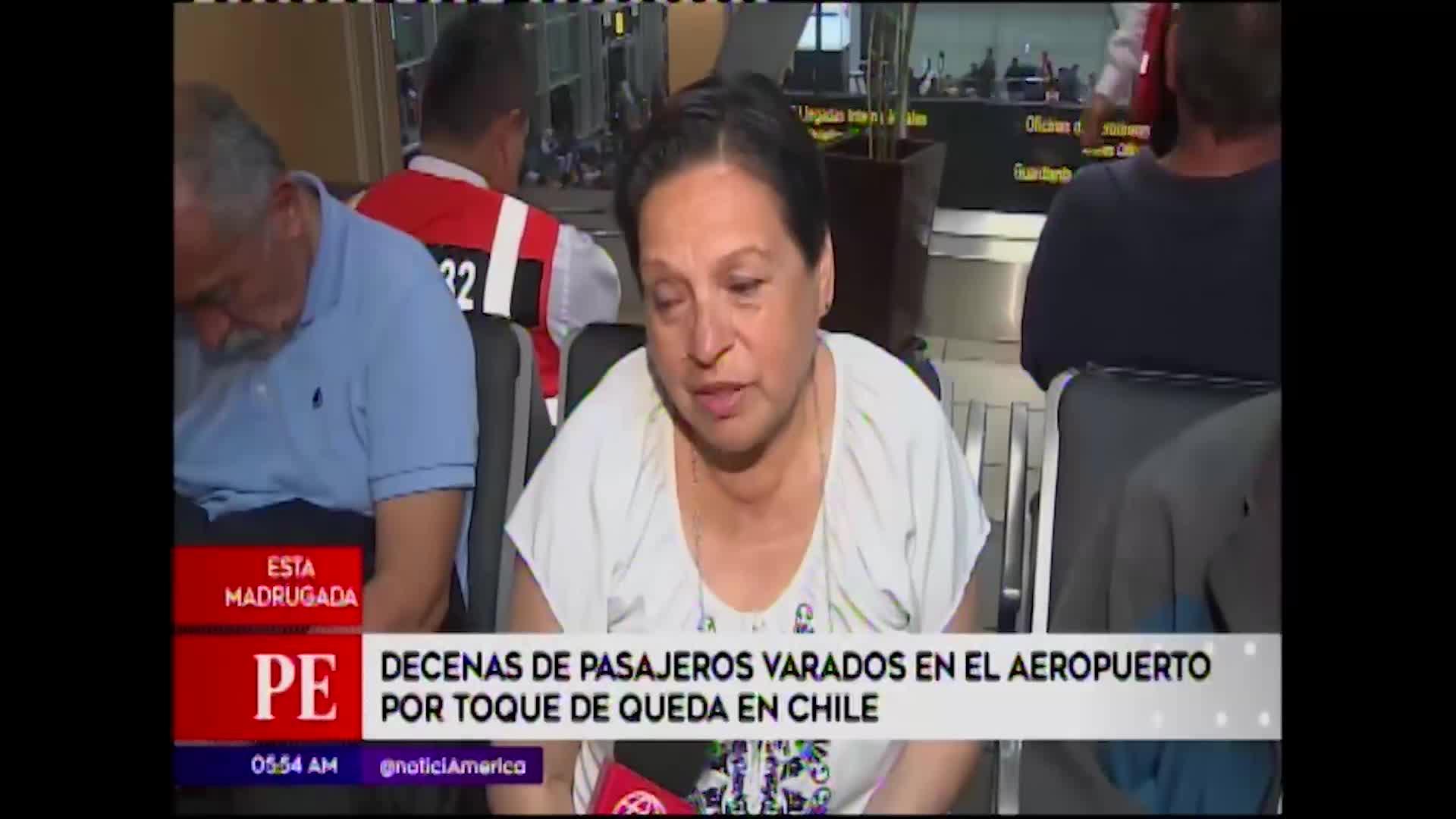 Lima: pasajeros varados en aeropuerto por toque de queda en Chile