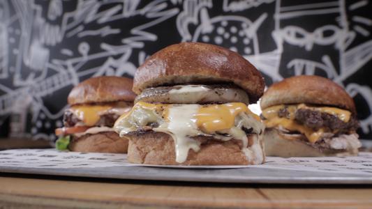 Ideas para preparar tres tipos de hamburguesa en casa