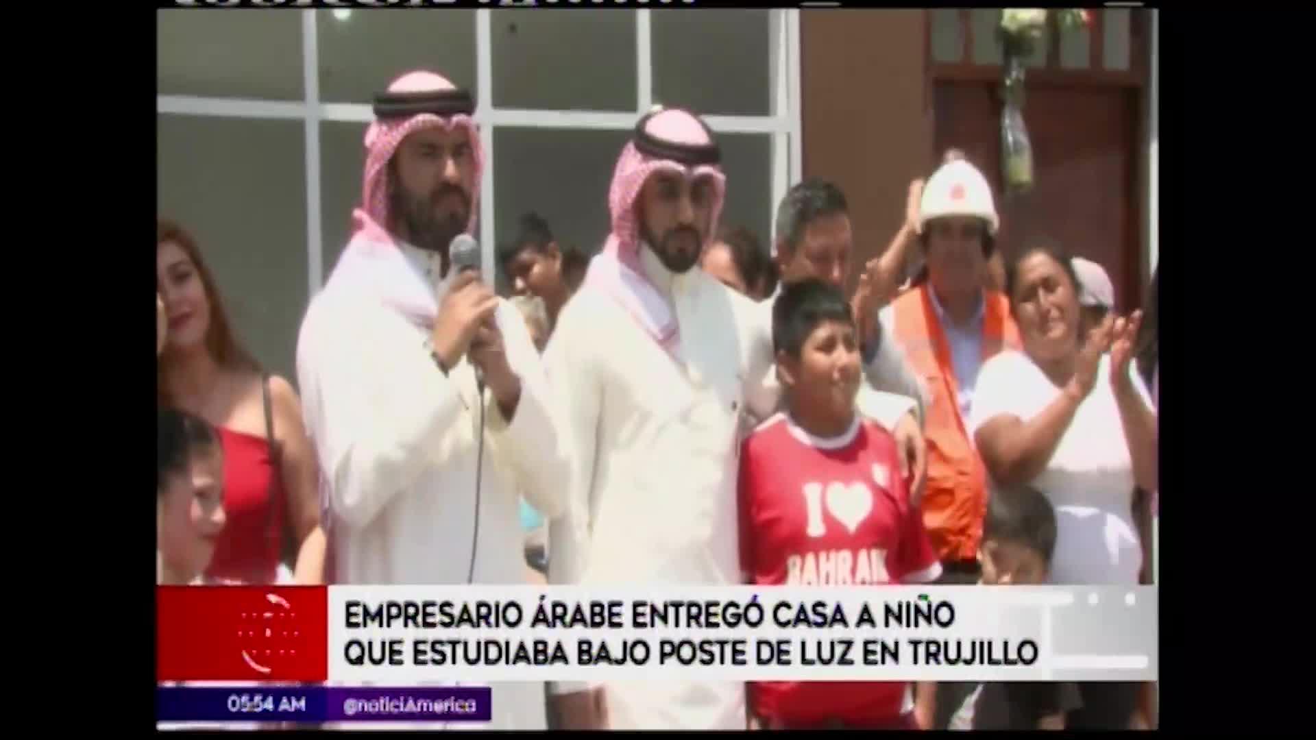 Trujillo: empresario árabe entregó vivienda a niño que estudiaba bajo un poste
