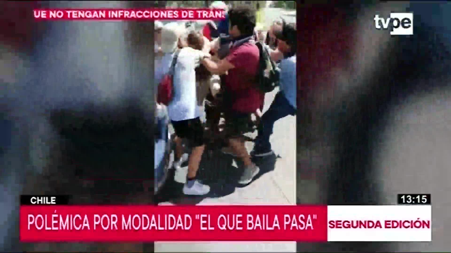 """Chile: cuestionan nueva modalidad de protesta conocida como """"Si baila, pasa"""""""