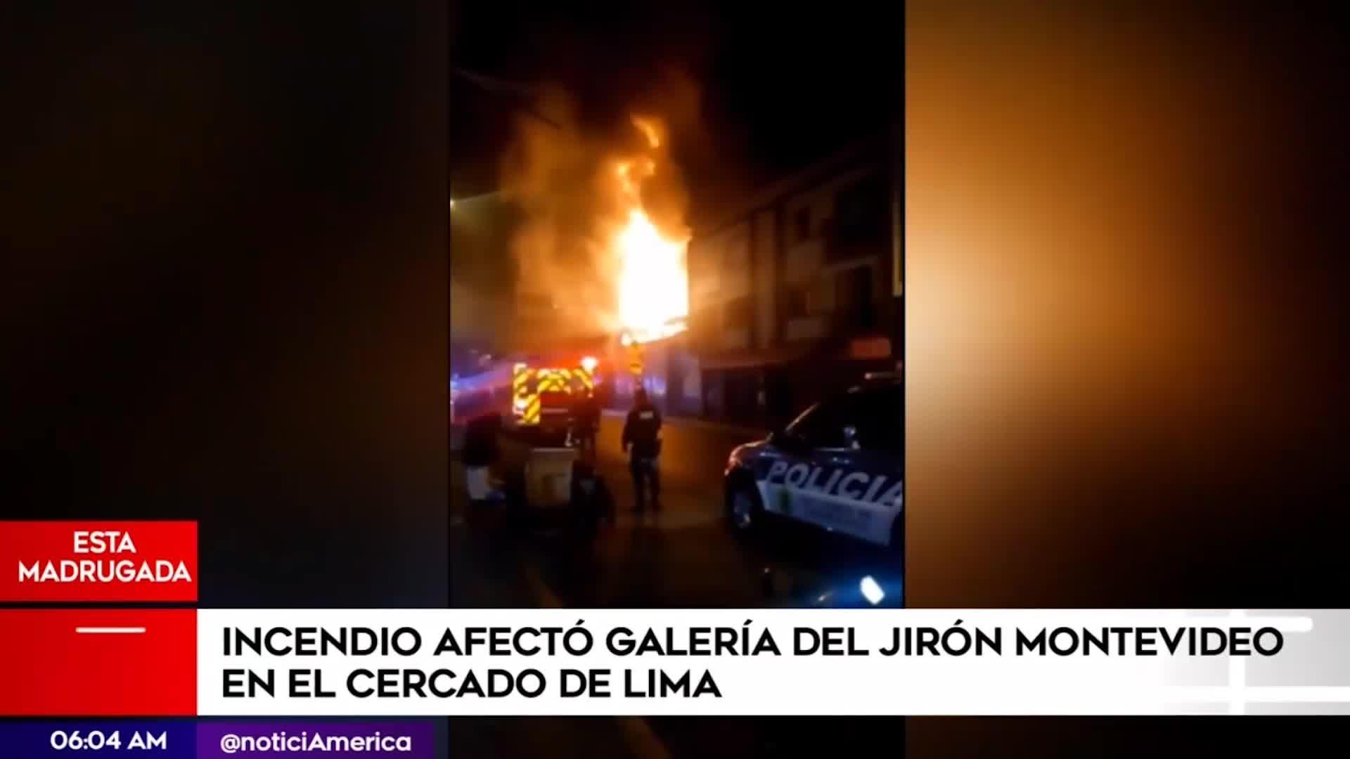 Cercado de Lima: incendio consumió galería comercial del jirón Montevideo