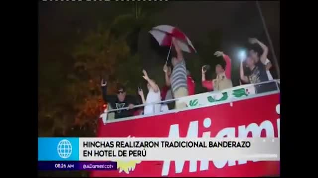 Hinchas peruanos arman la fiesta con 'banderazo' en Miami