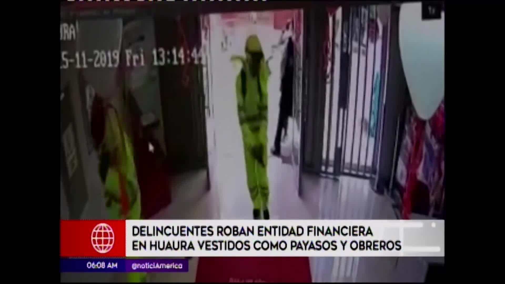 Huaura: delincuentes se disfrazan de payasos y obreros para robar financiera