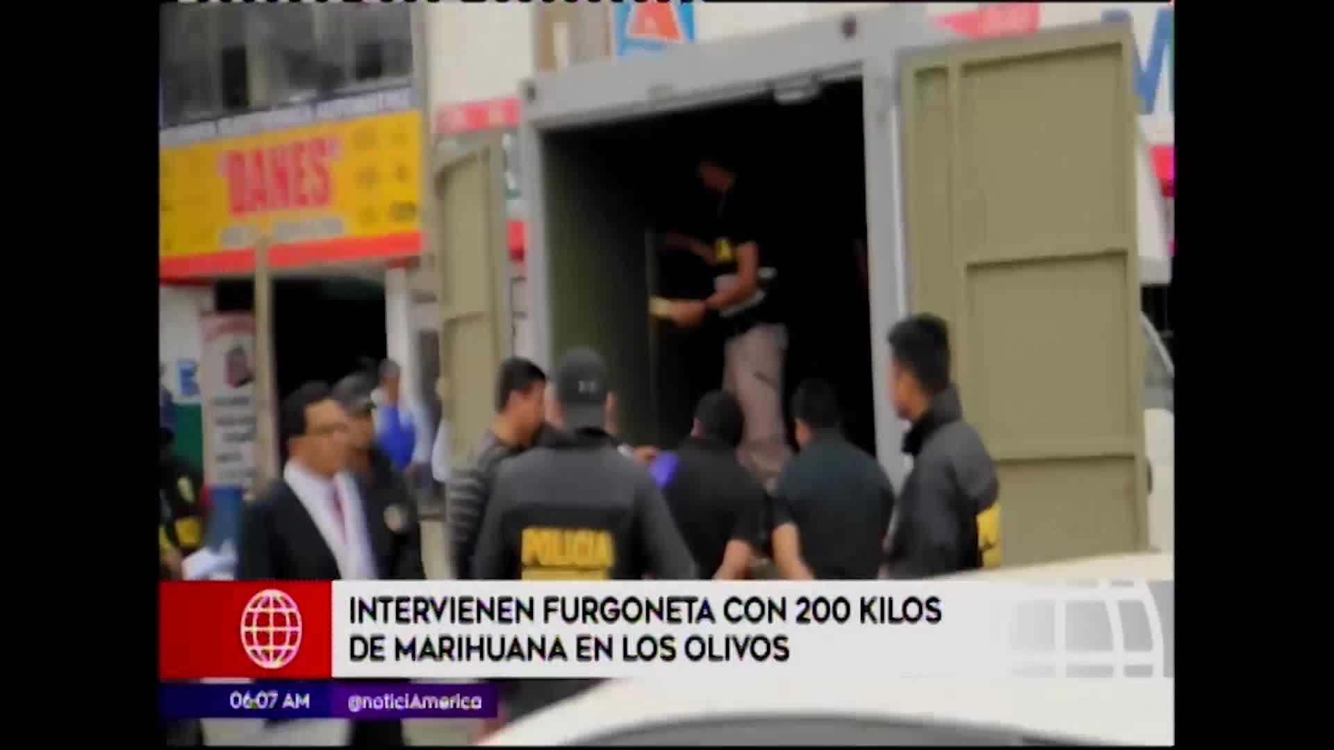 Los Olivos: Policía incauta 200 kg de droga transportada en una furgoneta