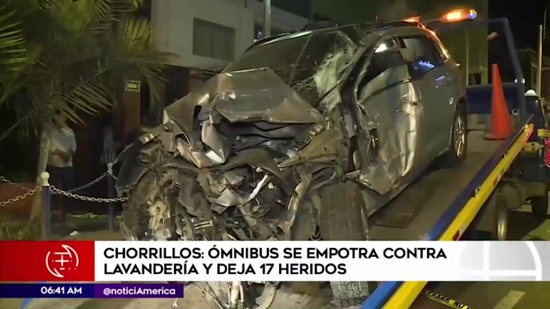 Chorrillos: bus impacta contra camioneta y deja 17 personas heridas