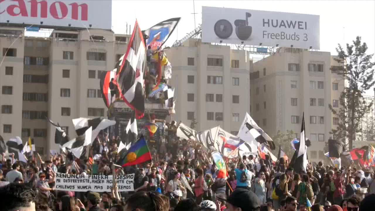 Chilenos cumplen 50 días de protestas