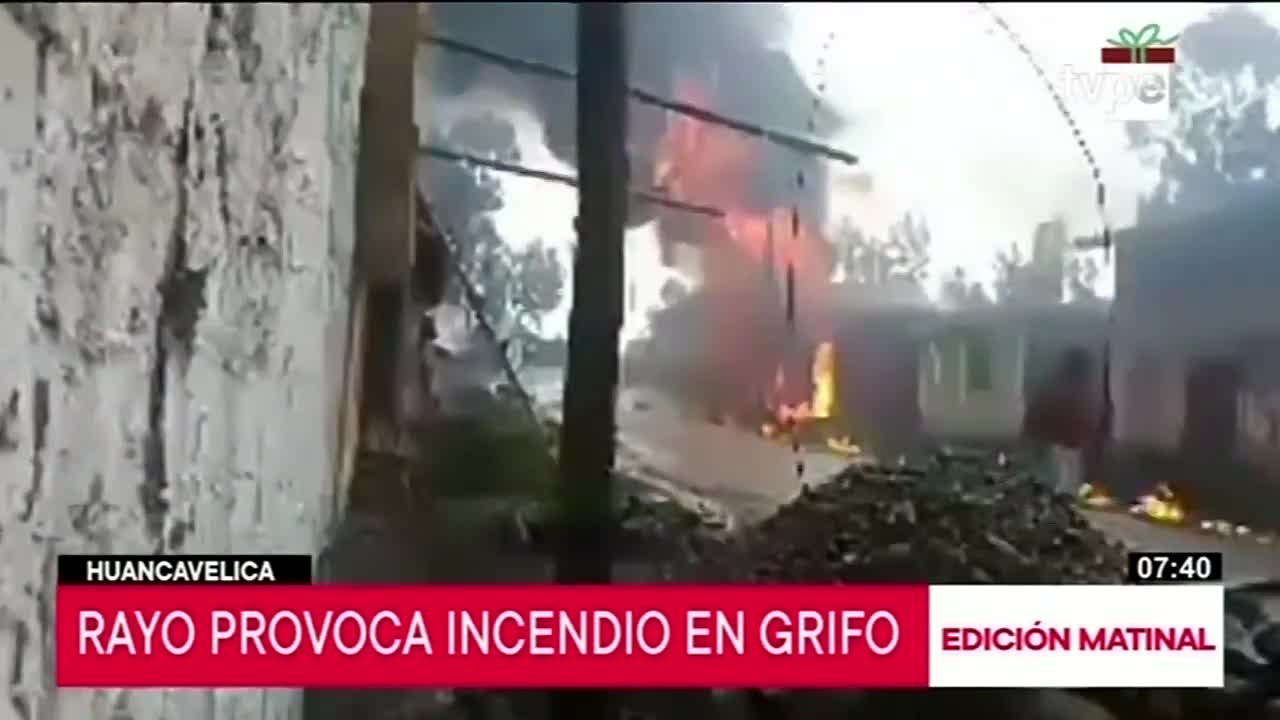 Huancavelica: cae rayo a grifo generando voraz incendio