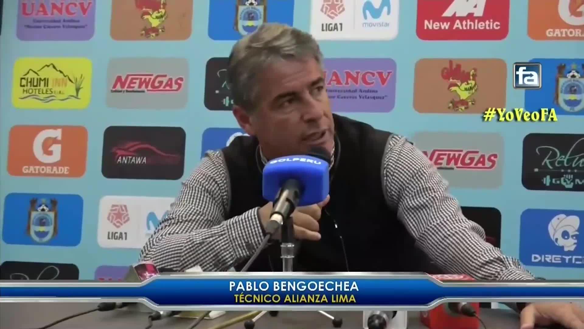 """Bengoechea se mostró indignado por el arbitraje: """"El VAR se iba a equivocar en contra de nosotros"""""""