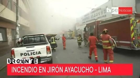 Trabajo de soldadura provoca incendio en galería del Cercado de Lima