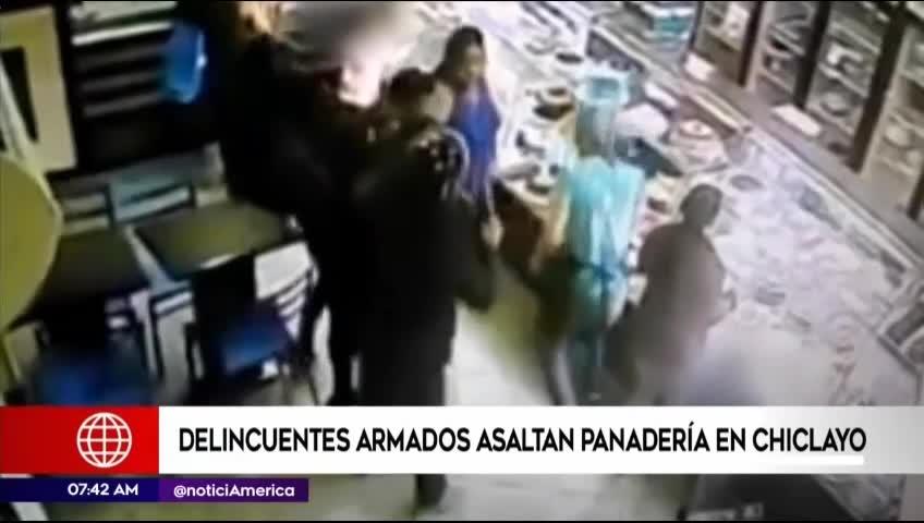 Chiclayo: delincuentes asaltaron panadería y se llevaron S/4 mil