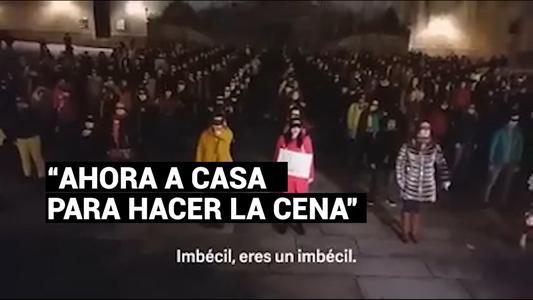 """Hombre interrumpe canción feminista al grito de""""Ahora a casa para hacer la cena"""""""