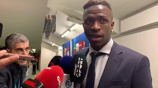 """Vinicius: """"Estoy contento por marcar, pero juego para ayudar al equipo"""""""